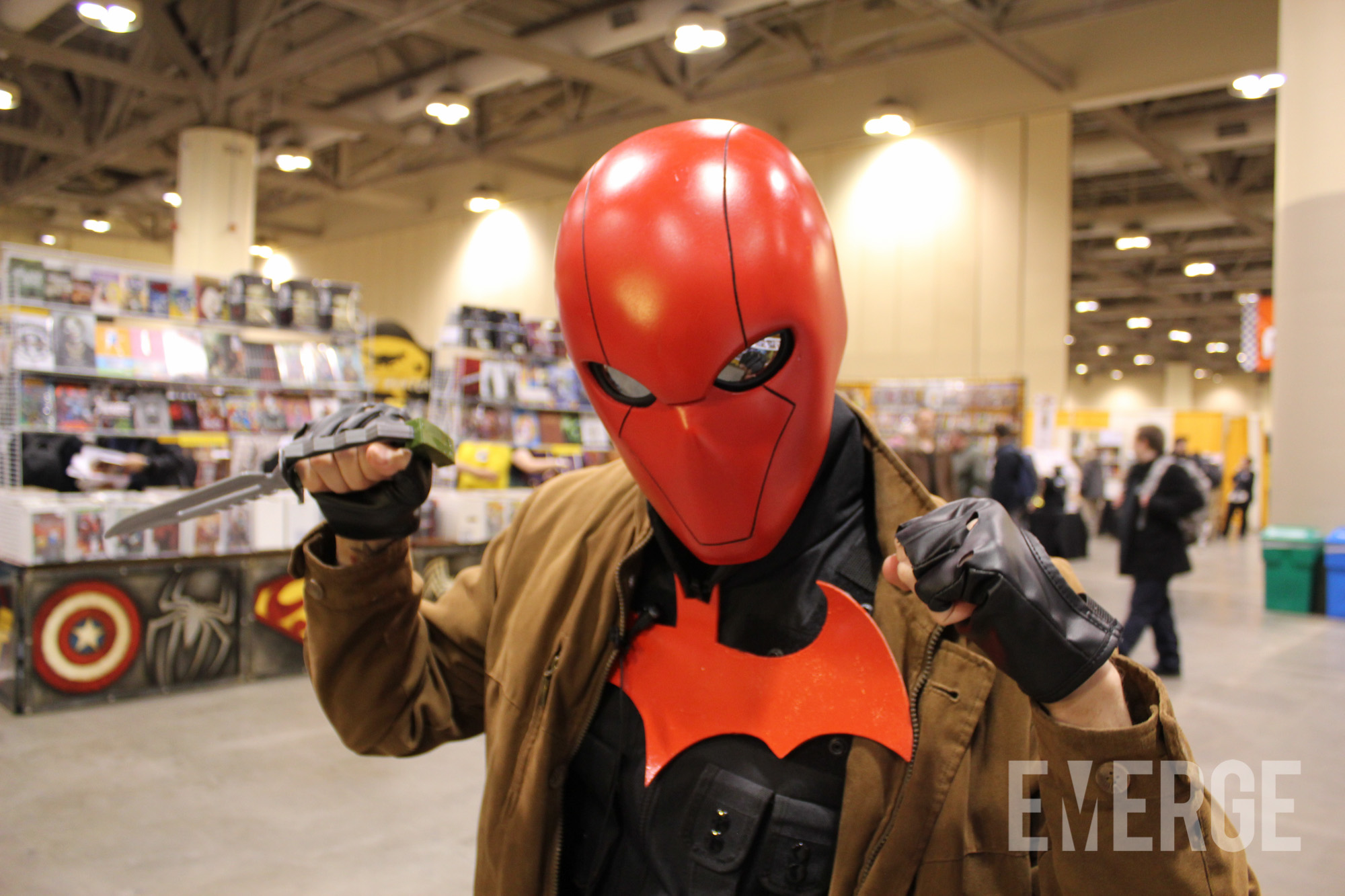 Day 1 of Toronto Comic Con started with a random encounter with Jason Todd, aka the Red Hood sporting his iconic red helmet and a casual military look.