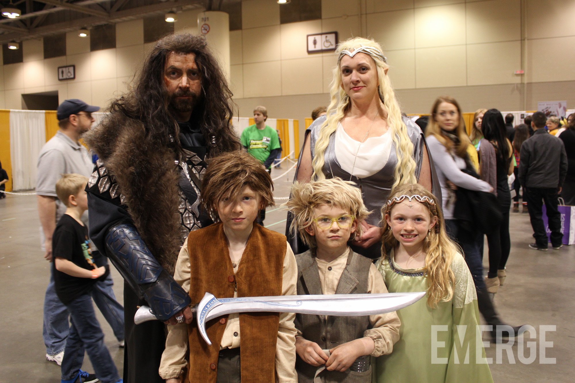 The family that cosplays together, stays together. Easily the best family at Comicon portraying characters from The Hobbit